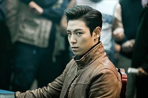 BigBangのT.O.P、日本で映画イベントに訪日!