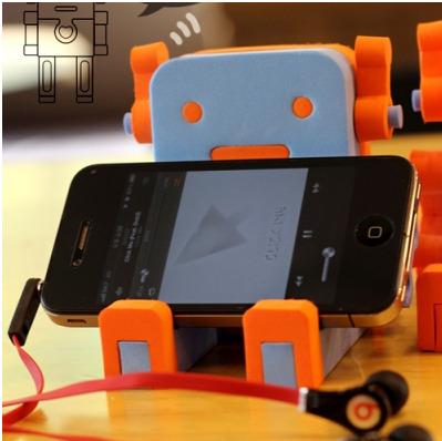 かわいいロボットのスマートフォンスタンド