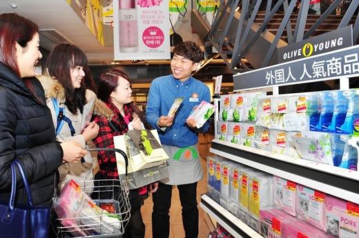 2013年韓国を訪れた外国人は何買った?