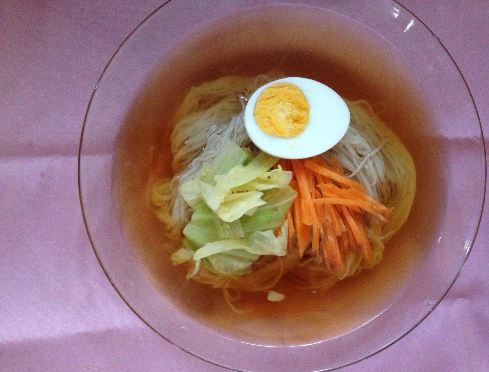 暑い日には冷麺が食べたくなります